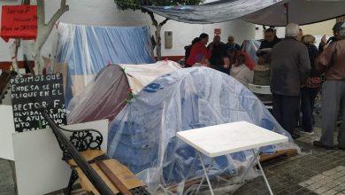 Photo of Los acampados del Sector F de Almensilla se reúnen con la alcaldesa pero siguen con la protesta