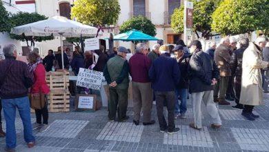 Photo of Los afectados del Sector F de Almensilla cesan su acampada tras 37 días