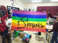 Photo of Pintadas neonazis en la sede de una asociación de mujeres en Camas