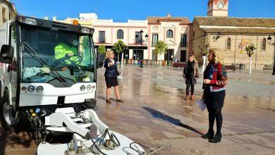 Photo of Castilleja intensifica las labores de limpieza con una máquina especializada en la desinfección de espacios públicos