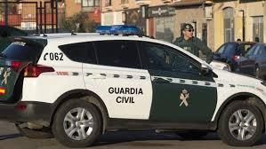 Photo of La Guardia Civil detiene a tres vecinos de Los Palacios por robos con violencia y detención ilegal