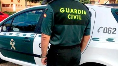 Photo of La Guardia Civil detiene a dos personas por falsificación de documentos y estafar 34.381,90 euros
