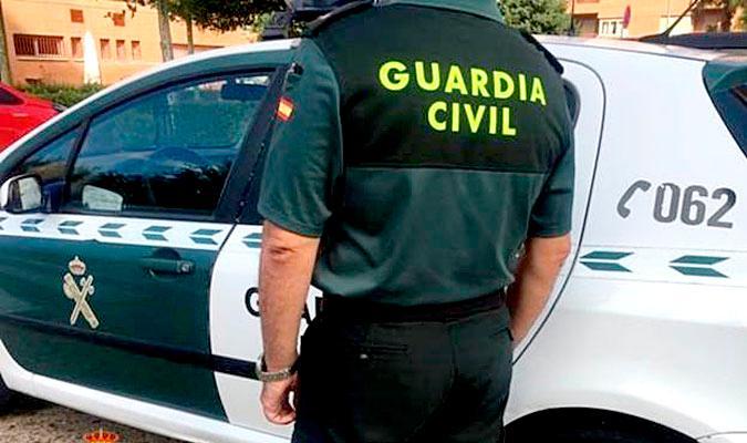 Photo of Detenida una mujer en Villanueva del Ariscal por apuñalar a su marido en el pecho