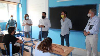 Photo of Gines entrega mascarillas reutilizables a los 1.400 alumnos y alumnas del IES El Majuelo