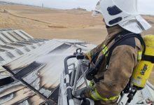 Photo of Así ha quedado una nave industrial del Polígono Los Olivos en Santiponce tras un incendio