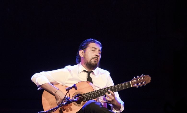 Photo of El guitarrista Antonio Rey actúa este martes en el Teatro Central