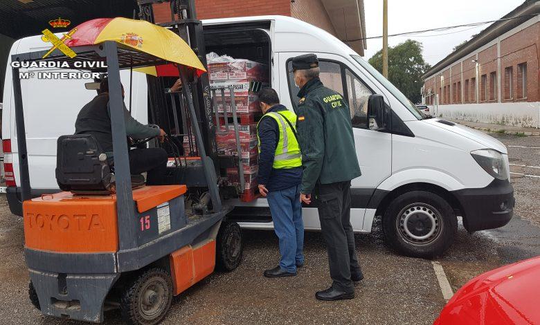 Photo of La Guardia Civil de Sevilla recoge 4000 kilos de alimentos en una campaña interna