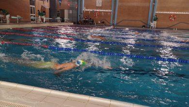 Photo of La nadadora del Club Natación Mairena Celia Caro bronce Junior en el Andaluz de Larga Distancia