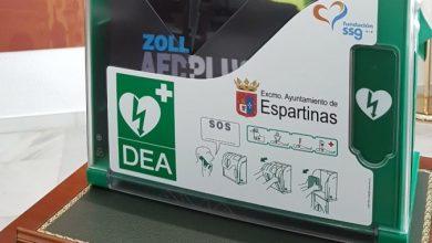 Photo of El Ayuntamiento de Espartinas instala desfibriladores en los colegios publicos de la localidad y el instituto