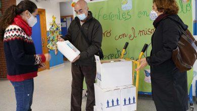Photo of El Ayuntamiento de Mairena del Aljarafe reparte mascarillas y gel entre los centros educativos