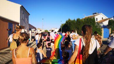 Photo of Con orgullo Huévar salió a la calle por la igualdad y la libertad