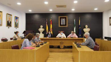 Photo of Los Ayuntamientos de Espartinas y Umbrete se unen para mantener la producción de la empresa Ángel Camacho alimentación en la localidad espartinera